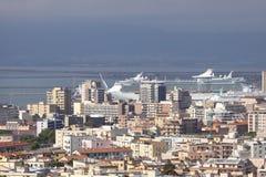 La Sardegna, Cagliari con la nave da crociera Fotografia Stock Libera da Diritti