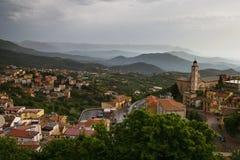 La Sardegna Lanusei nella mattina nebbiosa fotografia stock libera da diritti