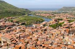 La Sardegna, villaggio di Bosa Immagini Stock