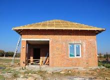 La sauna finlandese di costruzione dei mattoni nuovi alloggia l'esterno della costruzione Immagine Stock