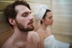 La sauna se relaja Imagen de archivo