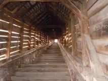 La scala della scuola dalla cittadella di Sighisoara, la Transilvania fotografia stock