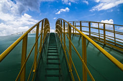 La scala ed il cielo fotografia stock libera da diritti