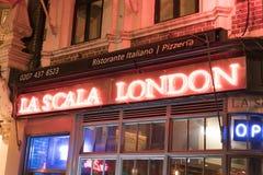 La Scala italiano Londres Reino Unido de la pizzería Imágenes de archivo libres de regalías