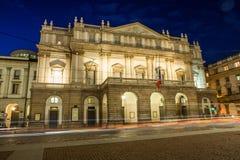 La Scala por noche Foto de archivo libre de regalías