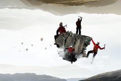 La scalata estrema è la sua adrenalina Media misti Immagini Stock Libere da Diritti