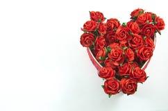 La scatola rossa del cuore con è aumentato Fotografie Stock Libere da Diritti