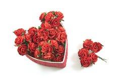 La scatola rossa del cuore con è aumentato Fotografia Stock Libera da Diritti