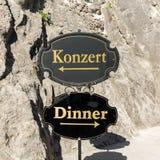 La scelta difficile a Salisburgo, la città di Mozart - alimentare il corpo o i sensi Salisburgo, Immagine Stock