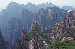 La scena della montagna gialla Fotografie Stock