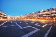 La scena di notte del quadrato di San Marco, Venezia Italia fotografie stock