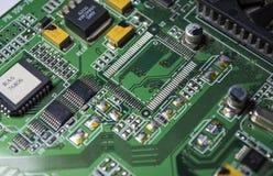 La scheda madre verde dal personal computer Elettronica e dettagli moderni Correzione delle disfunzioni Struttura, fondo immagine stock libera da diritti