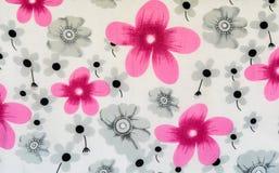 La sciarpa floreale del modello fotografie stock
