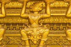 La scimmia dorata scolpisce la struttura della religione di buddismo Immagine Stock