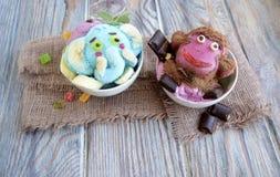 La scimmia e l'elefante sono fatti del gelato Fotografia Stock Libera da Diritti