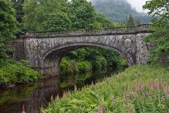 La Scozia, ponte vicino al castello inveraray Fotografia Stock