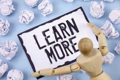 La scrittura del testo della scrittura impara più Lo studio di significato di concetto sviluppa più duro le nuove abilità che le  Immagini Stock