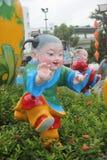 La sculpture antique en enfants dans la place splendide de SHENZHEN Chine Image libre de droits