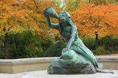 La sculpture en Nereid fait partie de la fontaine de Stuhlmann dans le secteur Altona de Hambourg Photographie stock libre de droits