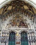La sculpture remarquable, le dernier jugement, découpé au-dessus de l'entrée principale de St Vincent Cathedral Munster Kirche ch image stock