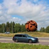 La sculpture la sphère opposée dans LuleÃ¥ image libre de droits