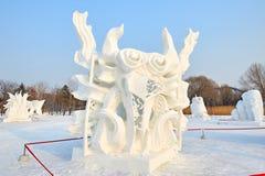 La sculpture sur neige - la réapparition Photo stock