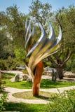La scultura della fiamma di Etzioni nel giardino di Bloomfield, Gerusalemme Immagini Stock