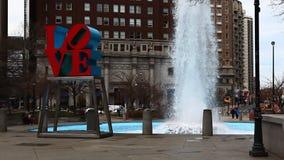La scultura di amore da Filadelfia video d archivio