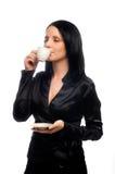 La señora hermosa está bebiendo el café Foto de archivo libre de regalías