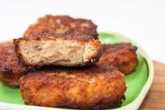 La section transversale des boulettes de viande avec de la viande hachée Photographie stock