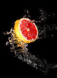 La secuencia del agua y del pomelo Imagen de archivo libre de regalías