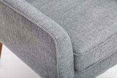 La sedia di club casuale dal migliore arredamento domestico, peluche ha attenuato le parti posteriori mescola con i braccioli rot fotografia stock libera da diritti
