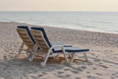La sedia di spiaggia si rilassa la Tailandia Immagini Stock Libere da Diritti