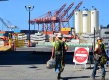 La segnalazione per lavorare Seattle in profondità alesa il progetto del tunnel Fotografia Stock