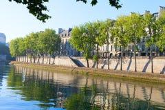 La Seine à l'île de Lois de saint, Paris. photos stock