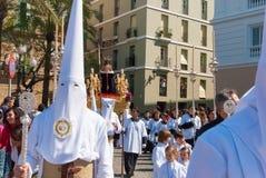 La Semana Santa Procession i Spanien, Andalucia, Cadiz Fotografering för Bildbyråer