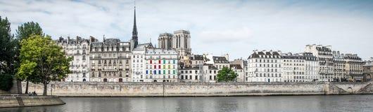 La Senna e Parigi Fotografie Stock