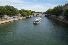La Senna Parigi - in Francia - vista frontale Fotografia Stock Libera da Diritti