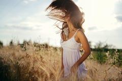 La sensación adolescente hermosa libera Fotografía de archivo