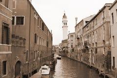 La sepia entonó el paisaje urbano de Venecia Fotografía de archivo