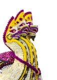 La serpiente hecha de flores aisló el fondo blanco Fotografía de archivo libre de regalías