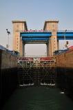 La serratura della nave della diga di Gezhou Fotografia Stock
