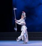 """la sexta agua del acto de la postura- desborda el  blanco de Opera""""Madame Snake†de la colina-Kunqu de oro Foto de archivo libre de regalías"""