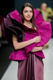 La sfilata di moda Pierre Cardin nella settimana di modo di Mosca Con affetto per l'Caduta-inverno 2016/2017 della Russia Fotografia Stock