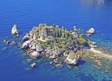 La Sicile, île sur la mer bleue Photographie stock libre de droits