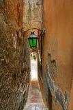 La Sicilia, Italia, via stretta in Taormina Fotografie Stock