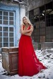 La signora in un vestito rosso Immagine Stock Libera da Diritti