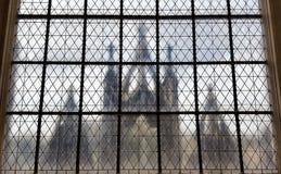 La silhouette de l'église par le tour Photographie stock libre de droits