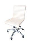 La silla de la oficina por el cuero blanco aislado Imagen de archivo