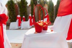 La silla fijó para casarse, otro evento abastecido o la ceremonia que visitaba Imagen de archivo libre de regalías